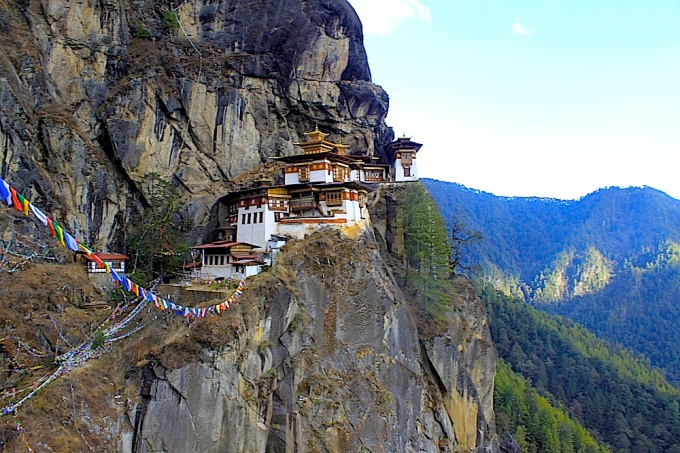 Taktsang Palphug Monastery, with ample parking for up to 6 thunder dragons