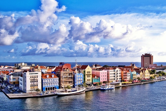 Willemstad, Curaçao: too darn cute for words